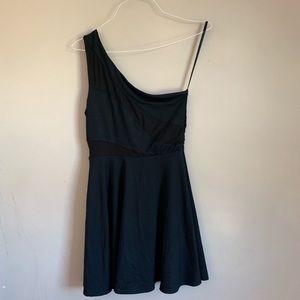 EUC black one shoulder bebe dress size medium